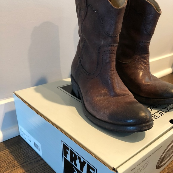 29a40a079a4 New FRYE Womens Carson Shortie Ankle Boot NWT